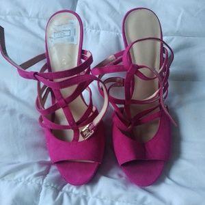 Nine West Fushia heels